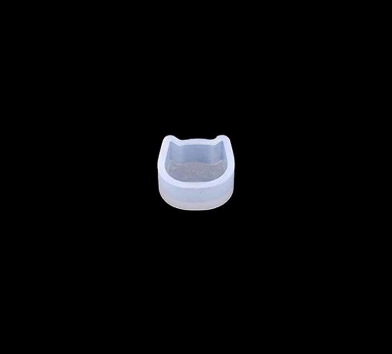Kassikujuline kõrvarõnga vorm