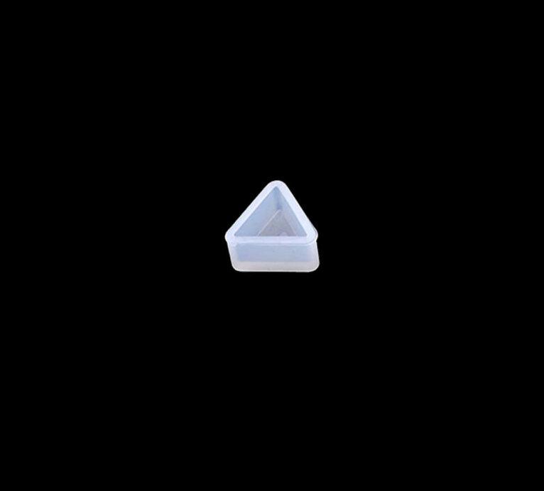 Kolmnurkne kõrvarõnga vorm