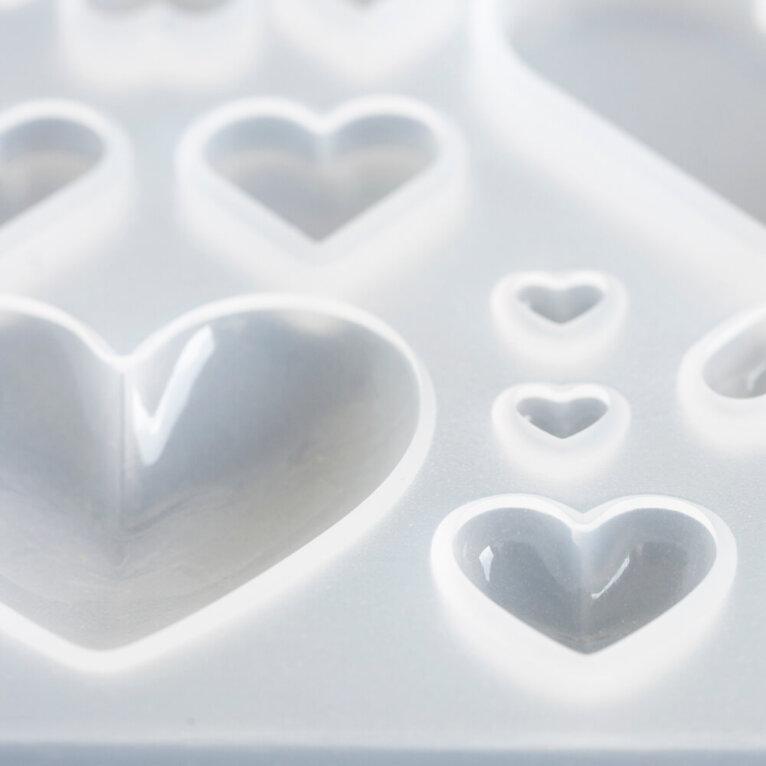 Silikoonvorm südamekujuliste ripatsite valamiseks