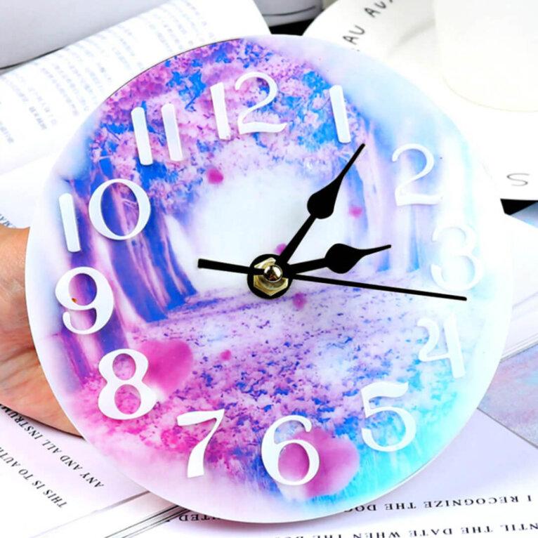 Silikoonvormid kella valamiseks