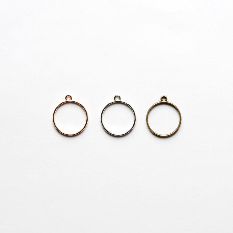 Ripatsi vorm, ring, erinevad värvid